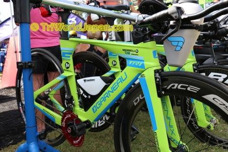 TorHansの商品を装着したGarneau TTR1バイク